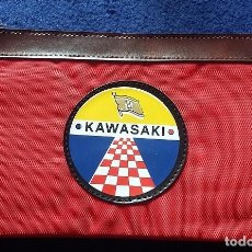 Coleccionismo deportivo: KAWASAKI ESTUCHE DE NYLON, PORTATODO CON CREMALLERA AÑOS 80. Lote 115401275
