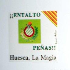 Coleccionismo deportivo: PEGATINA ANTIGUA ADHESIVO VINTAGE - PEÑAS DE HUESCA MAGIA - BALONCESTO BASKET - AÑOS 80 - ENTALTO. Lote 125336899