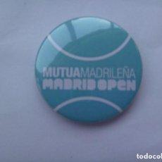 Coleccionismo deportivo: TENIS - MADRID OPEN : CHAPITA PUBLICITARIA DE MUTUA MADRILEÑA. Lote 128685259