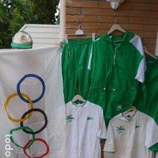 Coleccionismo deportivo: * GIGANTESCO LOTE ORIGINAL DE LAS OLIMPIADAS DE BARCELONA 92, CHANDAL, BANDERAS, CAMISETAS... ZX. Lote 131957078