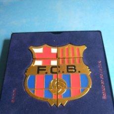 Coleccionismo deportivo: 8 PINS DEL F.C.BARCELONA PUZZLE, BAÑADO EN ORO 24K. Lote 133021866
