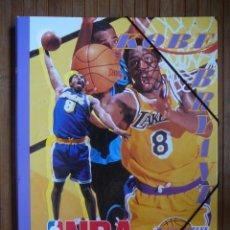 Colecionismo desportivo: RESERVADA CARPETA CON SEPARADORES LOS ANGELES LAKERS. NBA. KOBE BRYANT. TAMAÑO FOLIO.. Lote 135724611