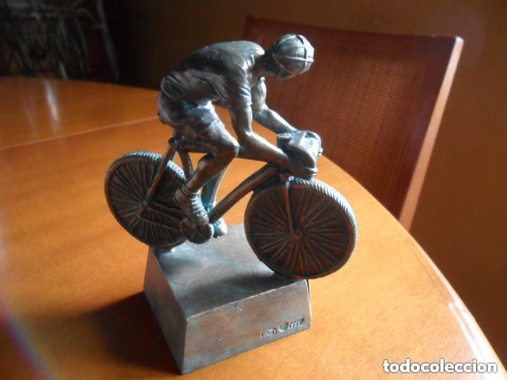 Coleccionismo deportivo: FIGURA DE CICLISTA SOBRE PEANA - Foto 6 - 135726499