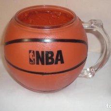 Coleccionismo deportivo: JARRA OFICIAL DE LA NBA FORMA BALÓN DE BASKET. Lote 141244826