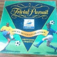 Coleccionismo deportivo: TRIVIAL PURSUIT FRANCE 98 COMPLETO - 1,800 PREGUNTAS Y RESPUESTAS -VER FOTOS . Lote 147108198