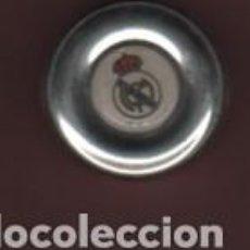 Coleccionismo deportivo: CAJA METÁLICA VACIA DEL REAL MADRID CLUB DE FUTBOL. Lote 148032110