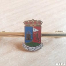 Coleccionismo deportivo: PISACORBATAS FEDERACION DE GOLF DE CASTILLA-LEON . Lote 154185986