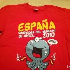 Coleccionismo deportivo: CAMISETA ESPAÑA CAMPEONA DEL MUNDIAL 2010 TALLA S. Lote 155472946