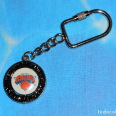 Coleccionismo deportivo: LLAVERO METAL GIRATORIO NBA NEW YORK KNICKS - PUBLICIDAD SPONGETECH.COM. Lote 170567372