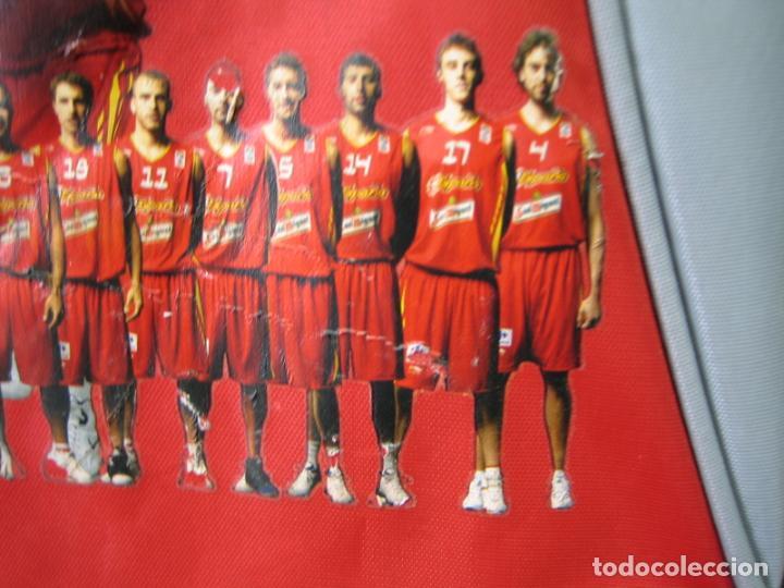 Coleccionismo deportivo: Antigua mochila con publicidad galletas Chiquilín. Selección española de baloncesto - Foto 4 - 201605648