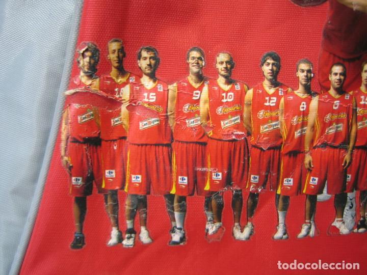 Coleccionismo deportivo: Antigua mochila con publicidad galletas Chiquilín. Selección española de baloncesto - Foto 7 - 201605648