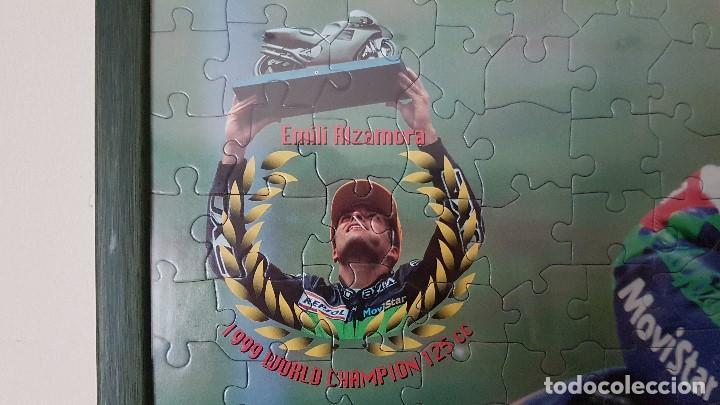 Coleccionismo deportivo: PUZLE ENMARCADO DE EMILI ALZAMORA, CAMPEON DEL MUNDO 125CC. EN 1999. TAL CUAL SE VE. - Foto 2 - 204176140