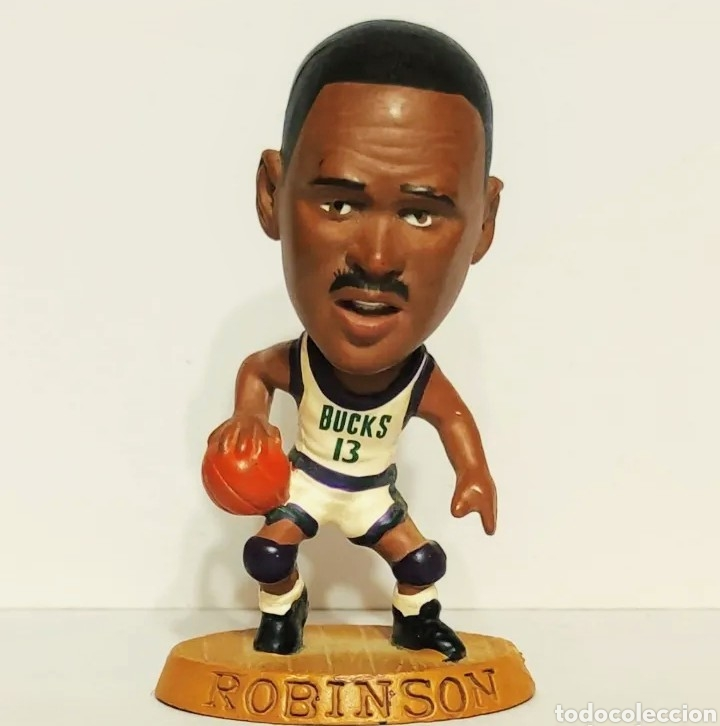 FIGURA DE PVC DE ROBINSON CON LOS BUCKS CON EL 13, NBA 085 BALONCESTO (Coleccionismo Deportivo - Merchandising y Mascotas - Otros deportes)