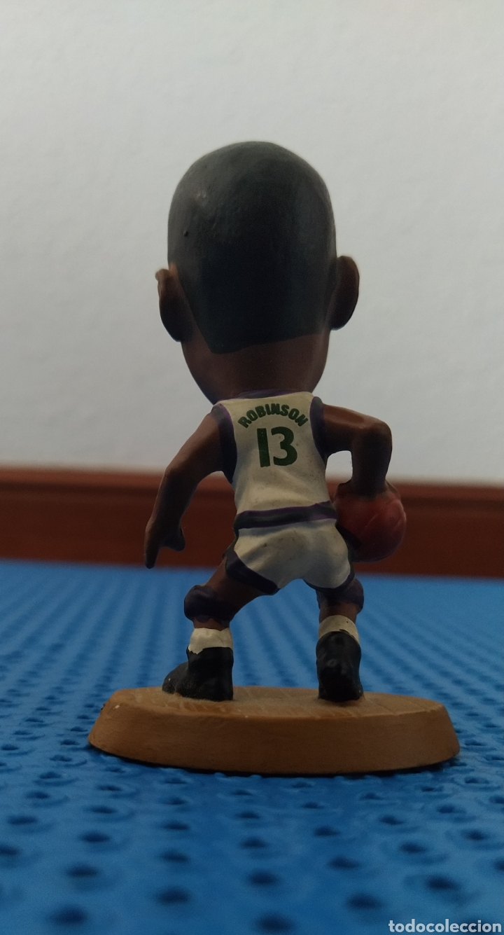 Coleccionismo deportivo: FIGURA DE PVC DE ROBINSON CON LOS BUCKS CON EL 13, NBA 085 BALONCESTO - Foto 4 - 213992090