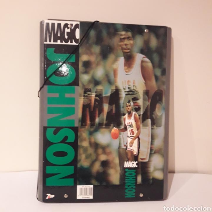 1992. 7UP .CARPETA MAGIC JOHNSON. DREAM TEAM. BARCELONA 92 JUEGOS OLÍMPICOS. NBA (Coleccionismo Deportivo - Merchandising y Mascotas - Otros deportes)