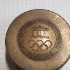 Colecionismo desportivo: CINTA METRICA. OLIMPIADAS BERLIN 1936. MUY RARO Y CURIOSO. FUNCIONA. UNICO EN TODO COLECCION. Lote 222799641