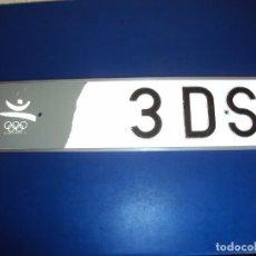 Coleccionismo deportivo: (F-201100)PLACA OFICIAL VEHICULO OLIMPIADAS DE BARCELONA 92. Lote 223214315