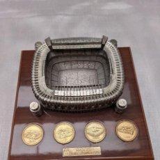 Coleccionismo deportivo: REPLICA DEL ESTADIO SANTIAGO BERNABÉU DEL AÑO 2004. Lote 247159645