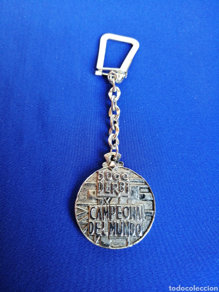 DERBI CAMPEÓN DEL MUNDO 50 CC LLAVERO (Coleccionismo Deportivo - Merchandising y Mascotas - Otros deportes)