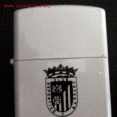 Coleccionismo deportivo: FUTBOL - MECHERO TIPO ZIPPO (NUEVO) - PUBLICIDAD ANTIGUA DEL CLUB DEPORTIVO BADAJOZ. Lote 8492609