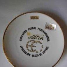 Coleccionismo deportivo: PLATO EUSKADIKO FUTBOL FEDERAKUNDEA (FEDERACIÓN VASCA DE FÚTBOL). Lote 17115347