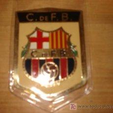 Coleccionismo deportivo: PLACA METALICA FUTBOL CLUB BARCELONA, DE 5X8, AÑOS 70. BARÇA. Lote 26873258