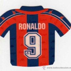 Coleccionismo deportivo: FC BARCELONA - PEGATINA DE RONALDO. Lote 18869425