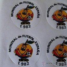 Coleccionismo deportivo: 4 PEGATINAS DEL MUNDIAL DE FÚTBOL ESPAÑA 82. NARANJITO. 1982. ORIGINAL DE ÉPOCA. . Lote 120407948
