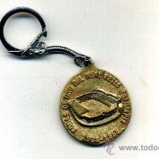 Coleccionismo deportivo: LLAVERO ANTIGUO RARO Y CURIOSO DEL REAL BETIS BALOMPIE - BODAS DE ORO - 1908-1958. Lote 26948426