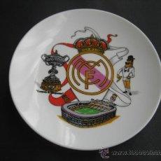 Coleccionismo deportivo: PLATO DE PORCELANA. FUTBOL REAL MADRID. Lote 35062693