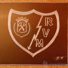 Coleccionismo deportivo: ESCUDOS DE FUTBOL DEL RAYO VALLECANO MEDIDAS 12X11 GRABADO A MANO. Lote 27214423