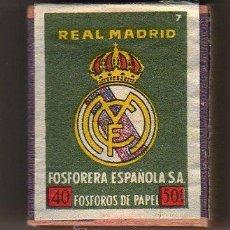 Coleccionismo deportivo: INTERESANTE CAJA DE CERILLAS - FOSFORERA ESPAÑOLA SA - REAL MADRID. Lote 26940908