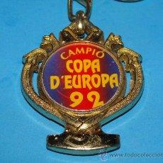Colecionismo desportivo: LLAVERO DE DEPORTES. CAMPEONES COPA DE EUROPA 1992. FÚTBOL CLUB BARCELONA. BARÇA 92. . Lote 27848846