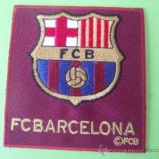 Coleccionismo deportivo: PEGATINA DE TELA DEL F.C.BARCELONA SE PUEDE PEGAR O COSER A ALA ROPA. Lote 27883598