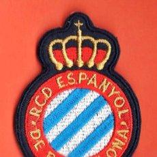Coleccionismo deportivo: PARCHE TELA - R.C.D. ESPAÑOL / ESPANYOL - ESCUDO TELA BORDADO - SIN ESTRENAR - FUTBOL - R- AM. Lote 28781172