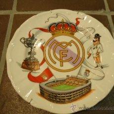 Coleccionismo deportivo: PLATO DE PORCELANA FUTBOL REAL MADRID CAMPEON. Lote 29516909