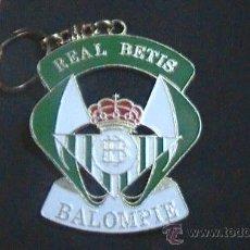 Coleccionismo deportivo: LLAVERO FUTBOL GRANDE REAL BETIS BALOMPIE. Lote 29873241