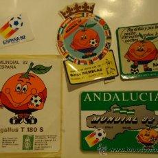 Coleccionismo deportivo: LOTE 5 PEGATINA ADHESIVO FUTBOL NARANJITO MASCOTA MUNDIAL '82. Lote 32460439