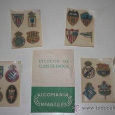 Coleccionismo deportivo: SOBRE CON 16 CALCOMANIAS DE CLUBES DE FUTBOL. BARCELONA, MADRID...EDICIONES KIKI. . Lote 33351006