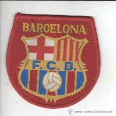 Coleccionismo deportivo: BUENO Y VIEJO ESCUDO EMBLEMA DE FELPA DEL BARÇA - FUTBOL CLUB BARCELONA. Lote 33383585