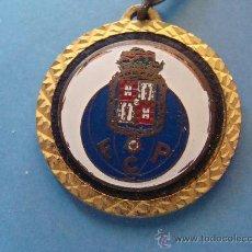 Coleccionismo deportivo: LLAVERO FÚTBOL. FC OPORTO, PORTUGAL. AÑOS 70 - 80. . Lote 33489822