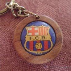 Coleccionismo deportivo: LLAVERO DEL FUTBOL CLUB F.C BARCELONA FC BARÇA CF DIARIO SPORT MADERA VER FOTOS. Lote 33659145