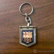 Coleccionismo deportivo: LLAVERO F.C.B. DORSO CAMP NOU. Lote 35583292