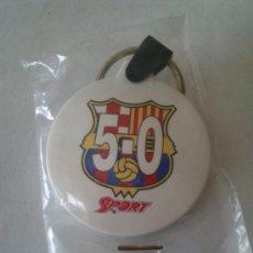 Coleccionismo deportivo: LLAVERO FUTBOL CLUB BARCELONA 5-0 DEL DIARIO SPORT.. Lote 36819119