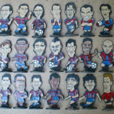 Coleccionismo deportivo: COLECCIÓN FUTBOLISTAS BARCELONA AÑOS 1997-1998 DEL MUNDO DEPORTIVO, EN METAL. Lote 37079333