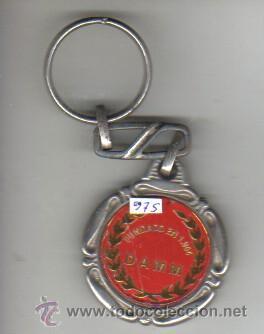 Coleccionismo deportivo: interesante y raro llavero de club de futbol damm fundada en 1954 cerveza - Foto 2 - 37859666
