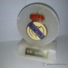 Coleccionismo deportivo: ESCUDO REAL MADRID. Lote 37918550