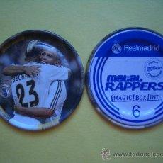 Coleccionismo deportivo: METAL RAPPERS FUTBOL REAL MADRID - MAGIC BOX - NÚMERO 6 - CELEBRANDO UN GOL. Lote 38426719