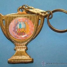 Coleccionismo deportivo: LLAVERO DE DEPORTES. FÚTBOL CLUB BARCELONA. GRAN COPA DORADA. AÑOS 90. . Lote 38667906