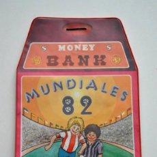 Coleccionismo deportivo: HUCHA - BOLSA MONEY BANK MUNDIAL FUTBOL 82 1982. Lote 38747679